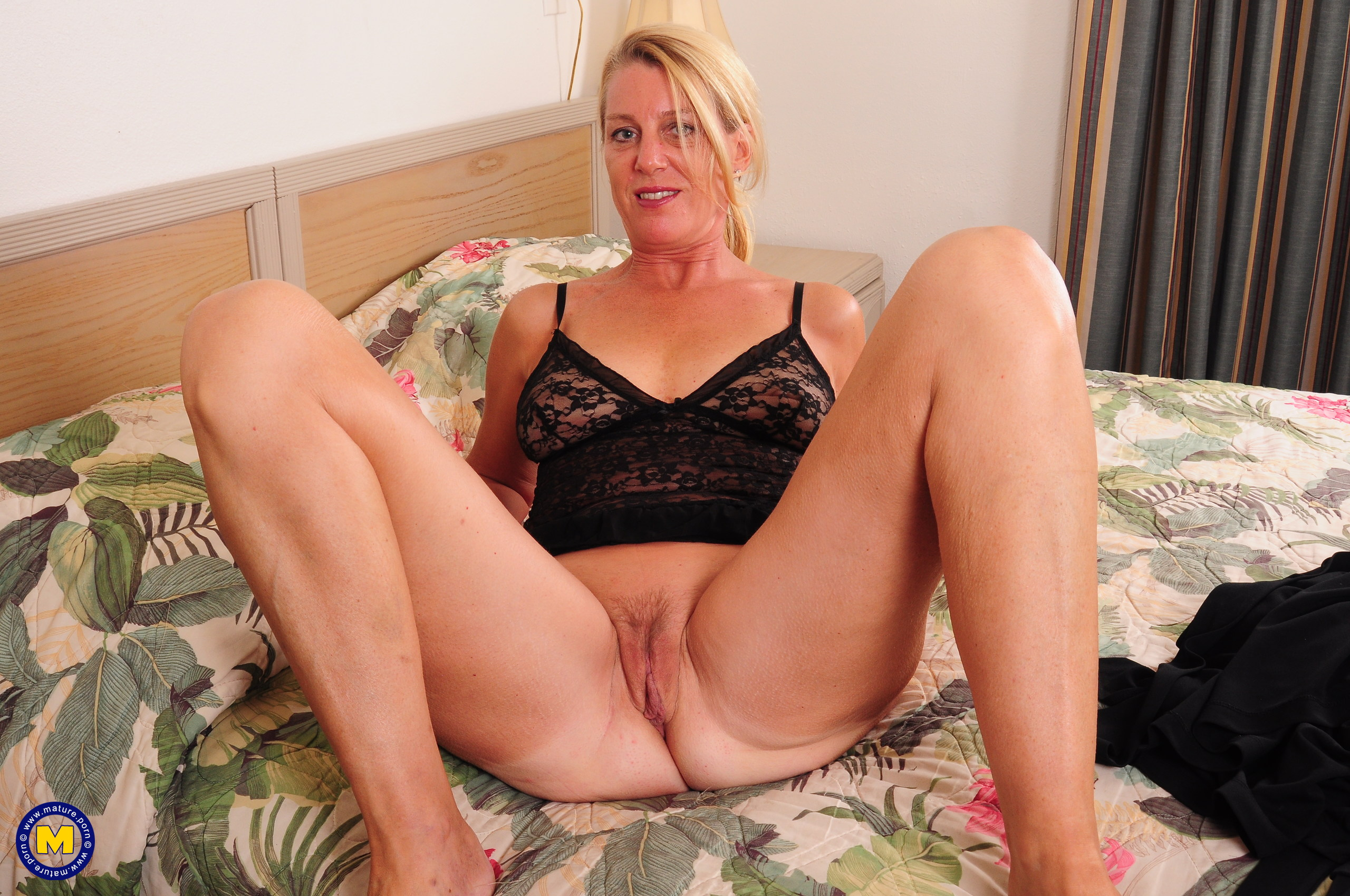 mature exhibitionist wife comes home from work and plays with her